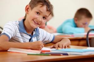Большая нагрузка на глаза у школьников