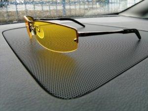 Очки - важный аксессуар для водителя